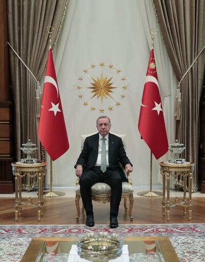 Erdoğan, milli sporcular Sümeyye ve Sevilay'ı kabul etti