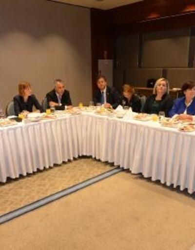 Bursalı kadın girişimciler Alman Bakan Puttrich ile bir araya geldi