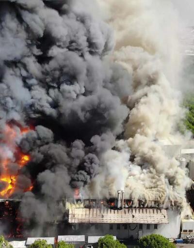 Son dakika... Tuzla'da fabrikada yangın