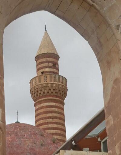 İshakpaşa Sarayı'na ziyaretçi akını