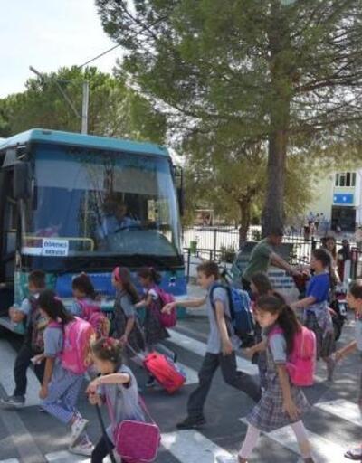 Edremit Belediyesi'nden ücretsiz okul servisi