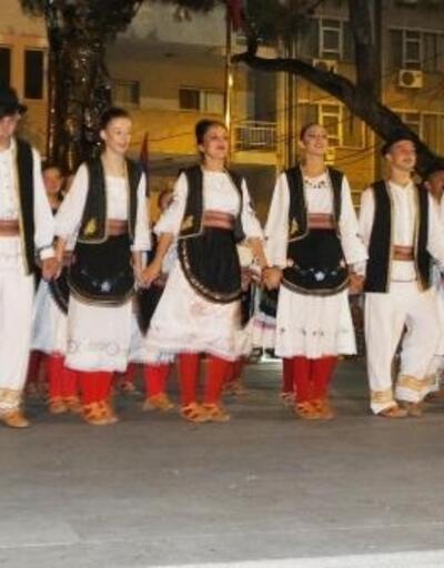 Burhaniye'de Halk Oyunları Şenliği düzenlendi