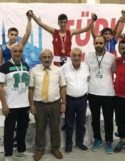 Antalyalı boksörler madalya ile döndü