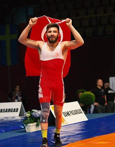 Süleyman Atlı, gümüş madalya kazandı