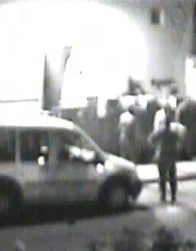 Darbecilerin cephaneliği yağmalaması güvenlik kamerasında