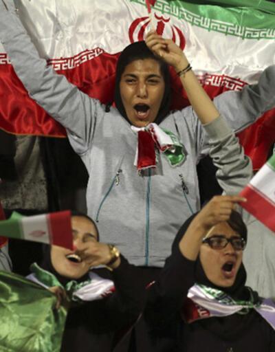 İran'da kadın taraftarlara izin çıktı