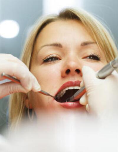 Aralıklı dişler gülmeyi engelliyor