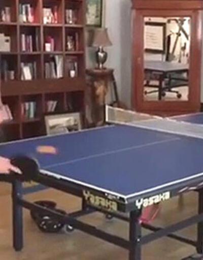 'Sezen Aksu masa tenisinde büyük farkla yendi'