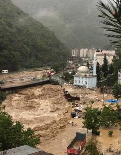 Felaketin boyutu gün ağarınca ortaya çıktı... Sele kapılan kamyon kasası 26 kilometre sürüklendi