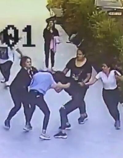 Kız öğrenci, tartıştığı 5 kız tarafından dövüldü