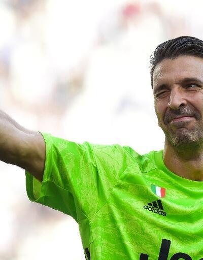 Buffon Juventus tarihine geçti
