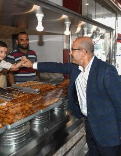 Vali Demirtaş'tan 'hizmet' ve 'esnaf' ziyareti