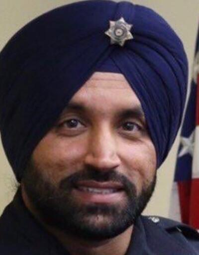 ABD'de başörtülü ilk Sih polis memuru öldürüldü