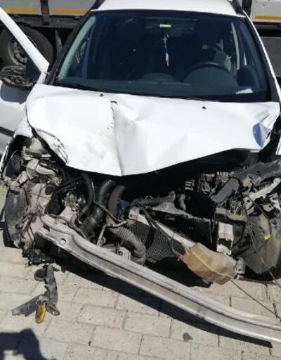 Freni patlayan otomobil 3 araca çarptı: 1 yaralı
