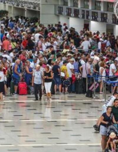 Antalya'da tüm zamanların turizm rekoru kırıldı