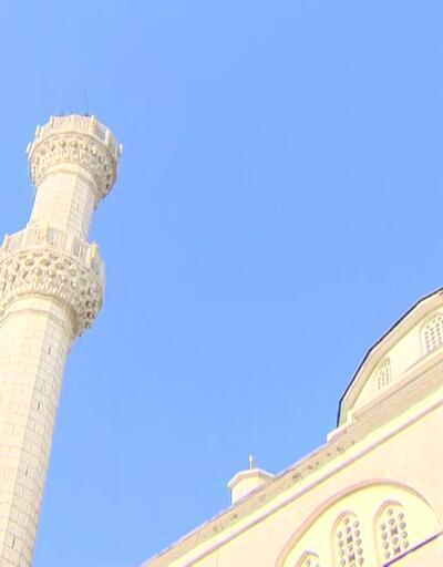 Minaresi devrilen camide son durum