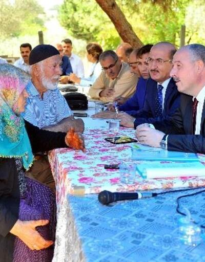 Vali Coşkun, Çolaklı Köyü sakinlerinin sorunlarını dinledi