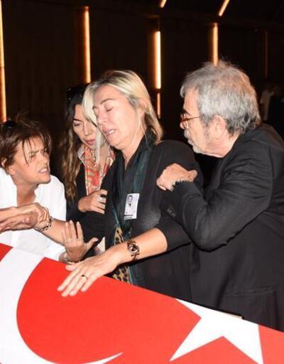 Tarık Ünlüoğlu'nun cenaze töreninde büyük ayıp! Selçuk Yöntem'in parasını çaldılar