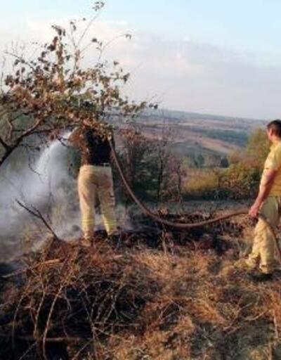 Çöplükteki yangın ormana sıçramadan söndürüldü