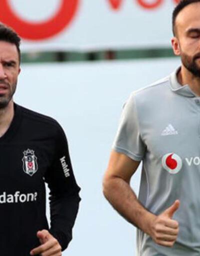 Beşiktaş'a Gökhan Gönül'den kötü haber!