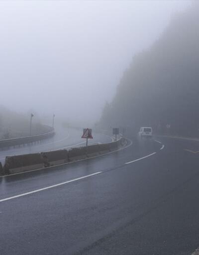 Bolu Dağı'nda yoğun sis ve sağanak