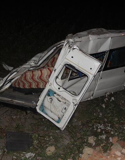 Hatay'da minibüs devrildi: 10 yaralı