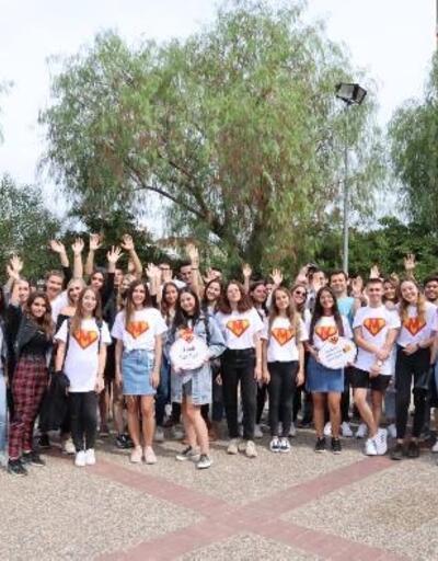 İEÜ'de 'rehber öğrenci' projesi