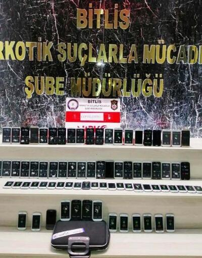 Bitlis'te uyuşturucu ve kaçak cep telefonuna 3 gözaltı