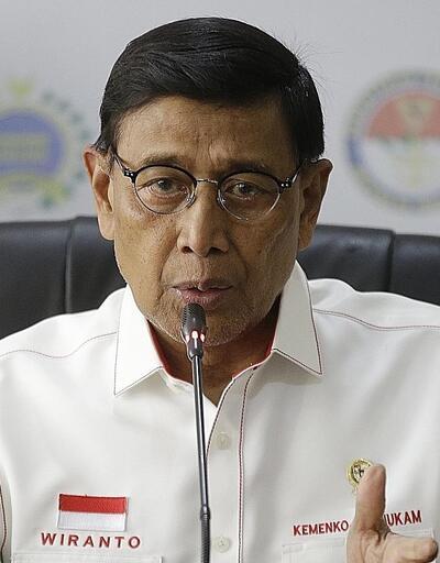 Son dakika... Endonezya Güvenlik Bakanı Wiranto'ya bıçaklı saldırı