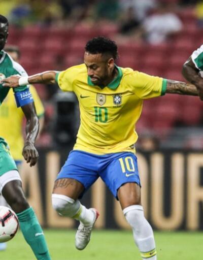 Neymar Brezilya tarihine geçti