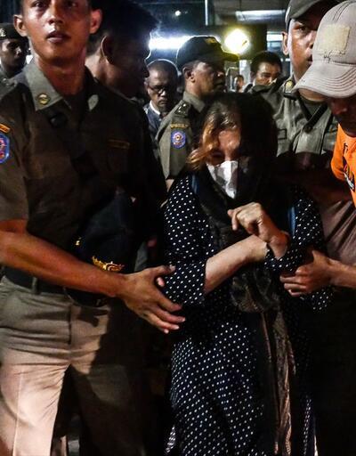 Endonezya'da mülteci krizi! BMMYK önünde toplandılar