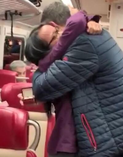 İzmirli gençten New York hızlı treninde sürpriz evlilik teklifi