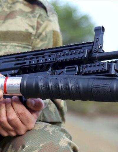 Komandonun yerli silahına yerli bomba atar
