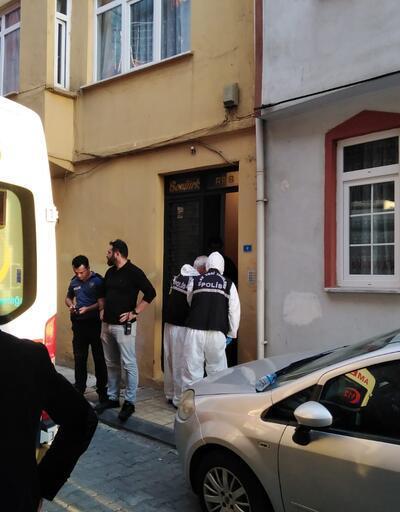 Ev sahibi yaşlı kadını bıçaklayarak öldürdü
