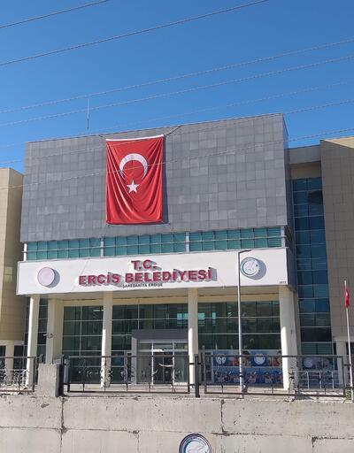 Son dakika... Van'ın Erciş İlçe Belediye Başkanı gözaltına alındı