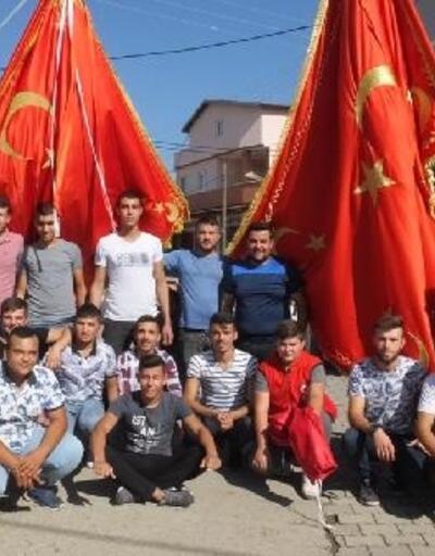 'Bayrak hayrı'nda, harekata katılan askerler için dua edildi