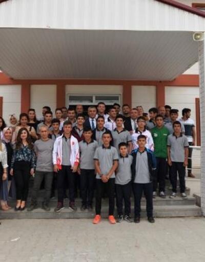 Milli Eğitim Müdürü Albak'tan, Balkan Şampiyonu'na ziyaret
