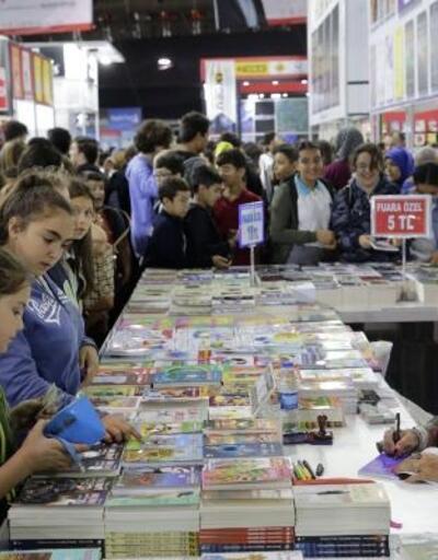 Kitap Fuarı'na 6 günde 271 bin ziyaretçi