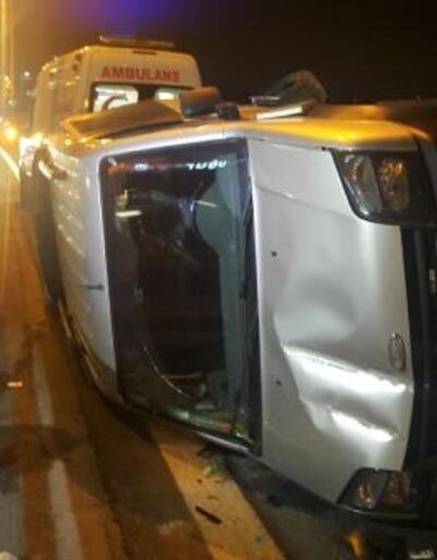 Kaza yapan araçlar TEM'de uzun araç trafiği oluşturdu