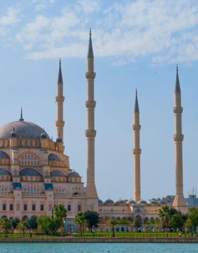Adana ve İstanbul Cuma namazı saati -18 Ekim: Adana Cuma saati kaçta?