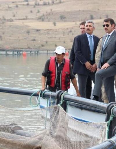 Vali Ayhan, Suşehri'nde incelemelerde bulundu
