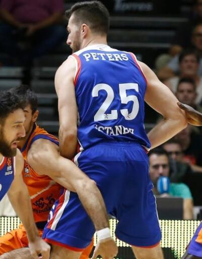 Anadolu Efes Valencia'yı 5 sayı farkla yendi