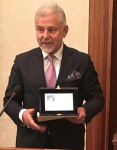Osman Öztürk'e uluslararası ödül