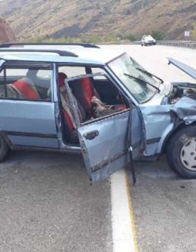 Malatya'da otomobil bariyerlere çarptı: 7 yaralı