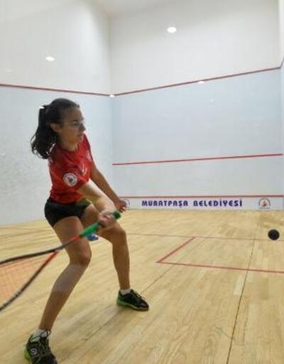 Squash'ta 3 Türkiye şampiyonluğu
