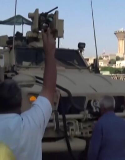 Teröristler Kamışlı'dan çekilen ABD askeri konvoyunu taşladı
