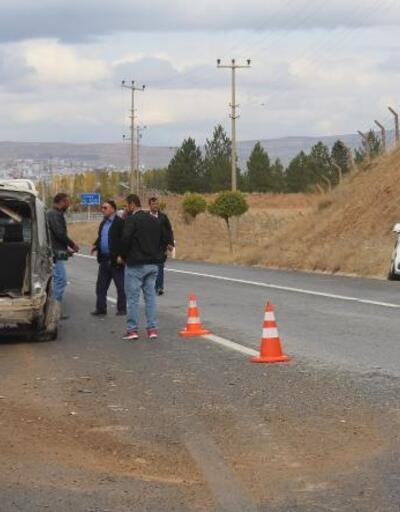 Sivas'ta yola çıkan köpek kazaya neden oldu: 1 yaralı