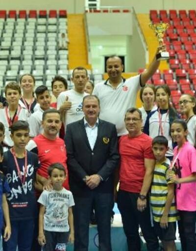 Taekwondo Şampiyonasında 200 sporcu ter döktü