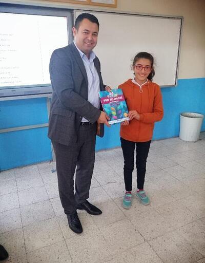 Vartolu öğrencilere kitap dağıtıldı