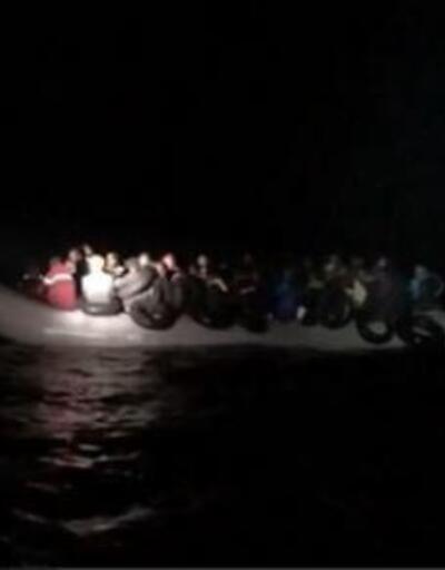 Dikili ve Çeşme açıklarında 98 kaçak göçmen yakalandı